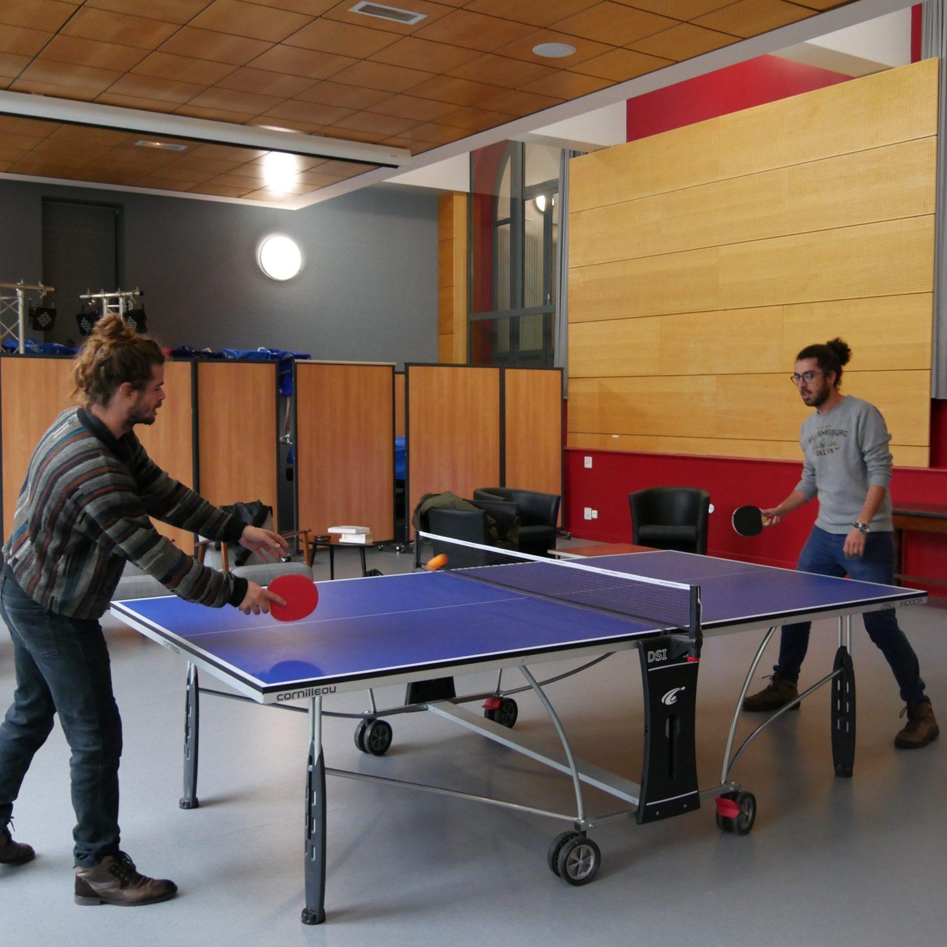Équipe de la MEC - ping pong